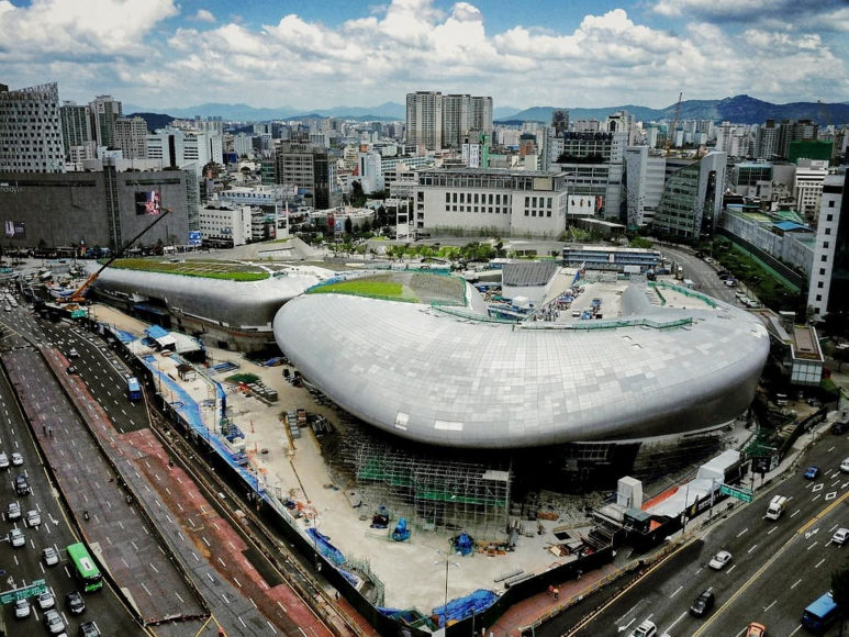 Κέντρο Μόδας Dongdaemun Design Plaza της Zaha Hadid.
