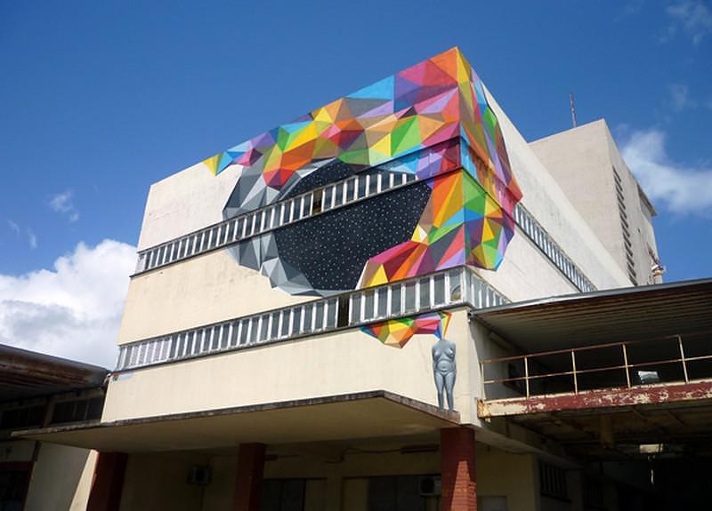 Πολύχρωμα Γκράφιτι από τον Okuda San Miguel.