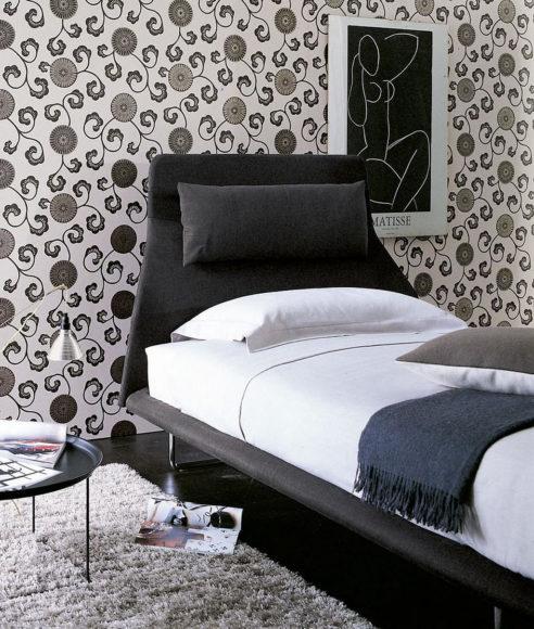 Κρεβάτι για… τεμπέλικες νύχτες Lazy Night Bed της Patricia Urquiola.
