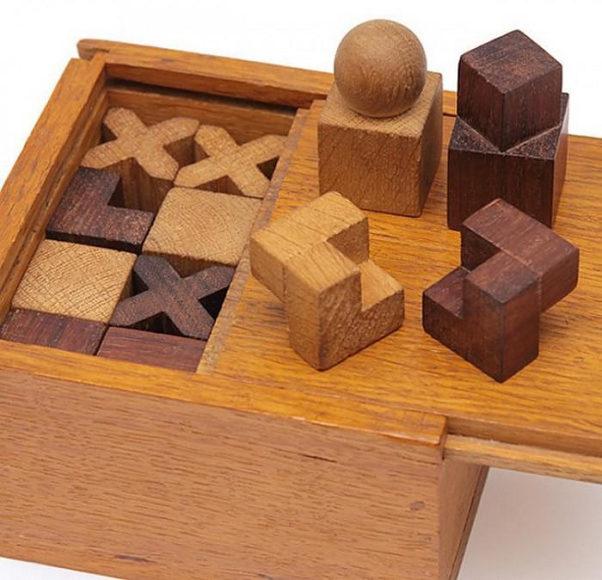 Σετ για σκάκι Naef Bauhaus του Josef Hartwig.