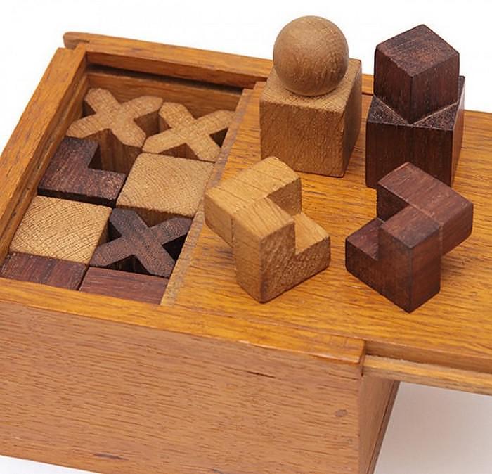 Naef Bauhaus Chess Set by Josef Hartwig.
