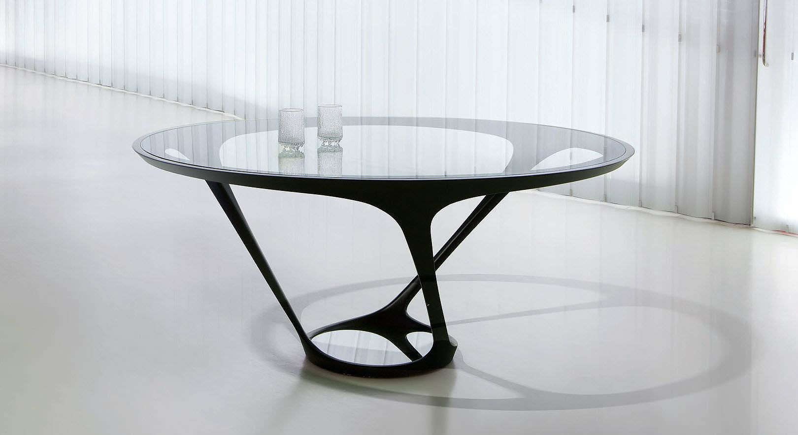 Ora Ito Round Dining Table By Roche