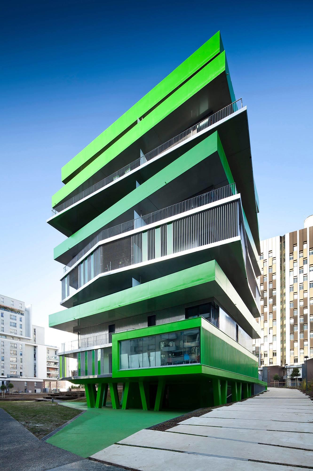 Modern Parisian Apartments by Hamonic+Masson Architects.