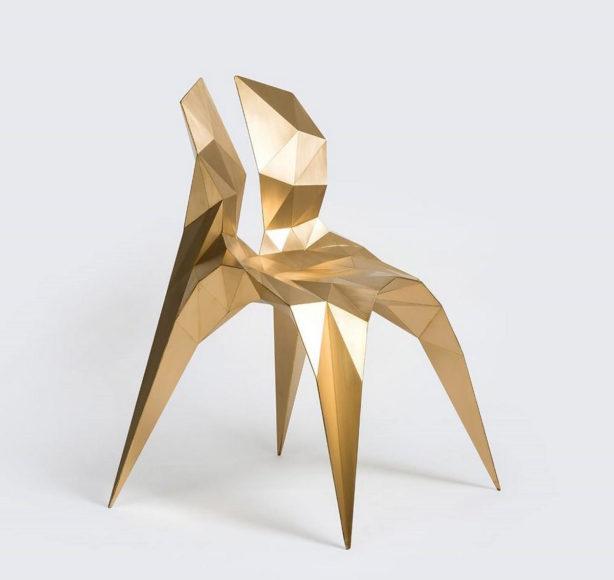 Μπρούτζινη καρέκλα (έργο τέχνης) Split του Zhoujie Zhang.