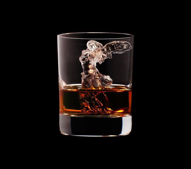 Παγάκια έργα τέχνης από την Suntory Whisky.