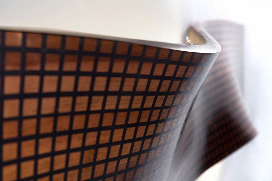 Ξύλινα φωτιστικά Grid από τον Maarten De Ceulaer.