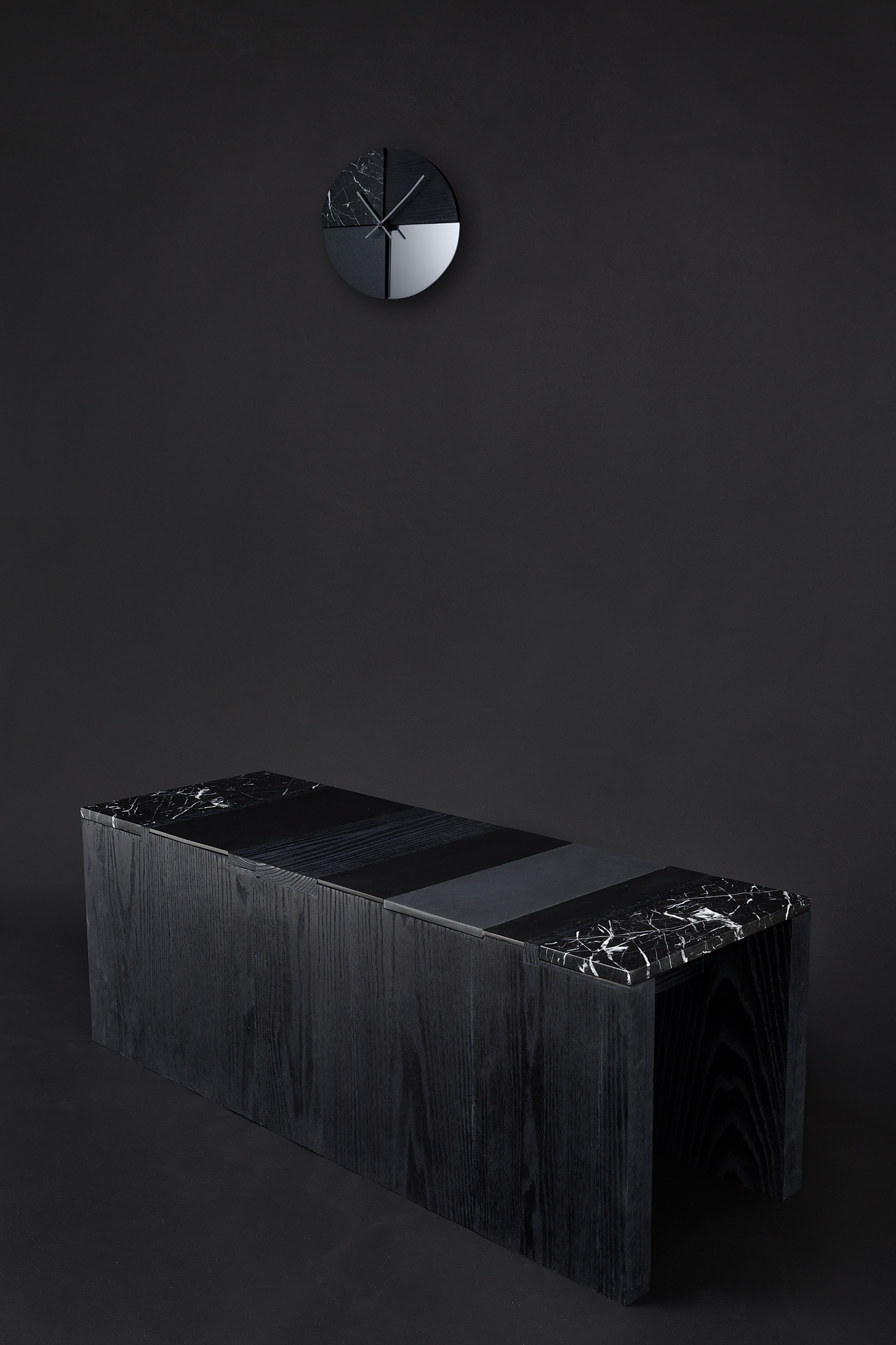 MONO Wall Clock by Cooperativa Panoràmica.