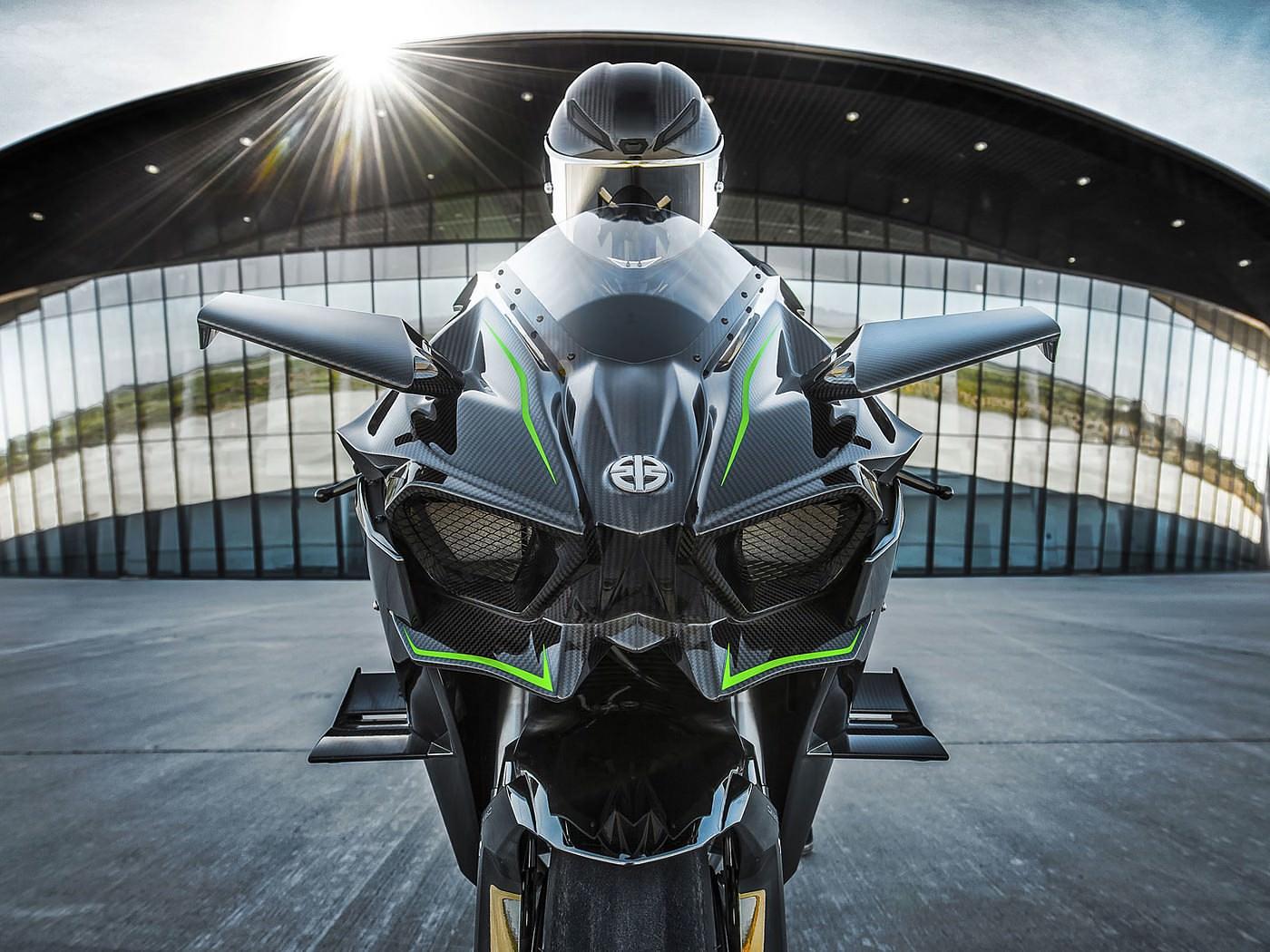 Kawasaki Ninja H2R Supercharged Superbike
