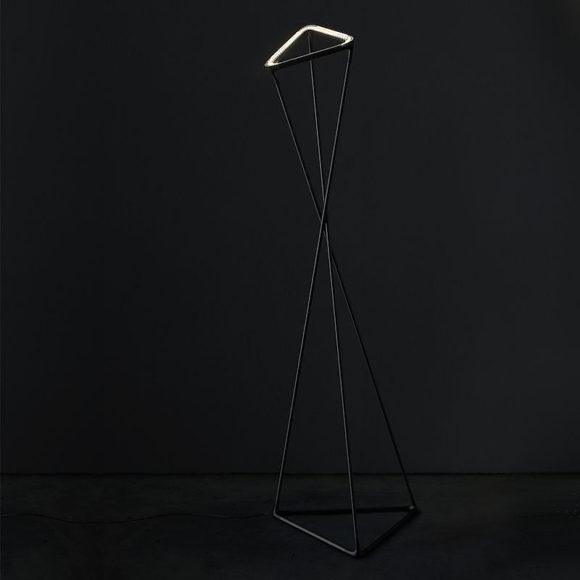 Αφαιρετικό LED φωτιστικό δαπέδου TANGO της Luceplan.