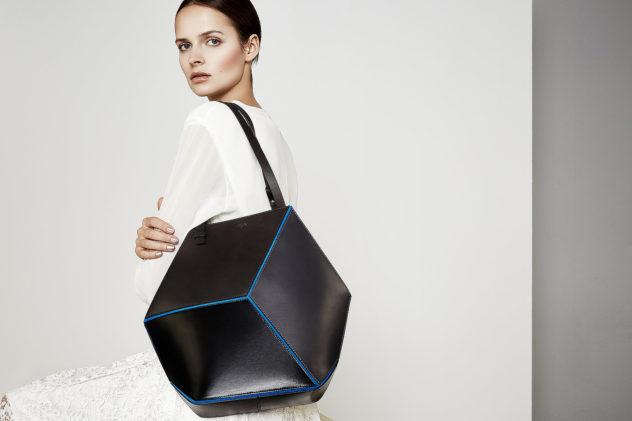Γεωμετρικές τσάντες Cube από την HEIO