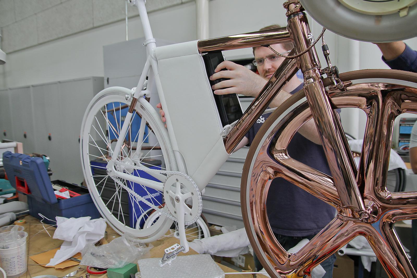 DL121 Bike by Peugeot Design Laboratory.