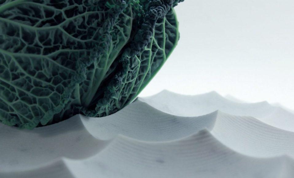 MARE TRANQULLITATIS: Ένας μαρμάρινος δίσκος εμπνευσμένος από το φεγγάρι.