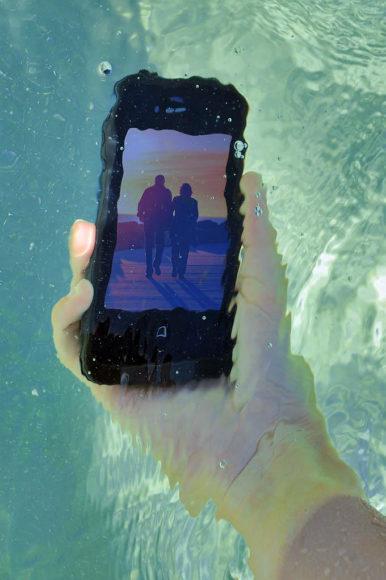Αδιάβροχη θήκη iPhone 4 της LifeProof.
