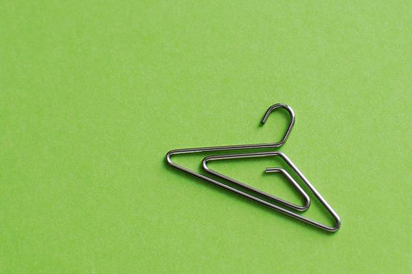 Photo Hangers από τον Juta Kan για την Plus-D.