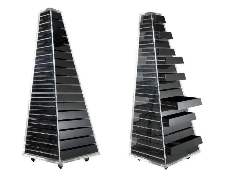Συρταριέρες Pyramid και Revolving Cabinet από τον Shiro Kuramata για την Cappellini.