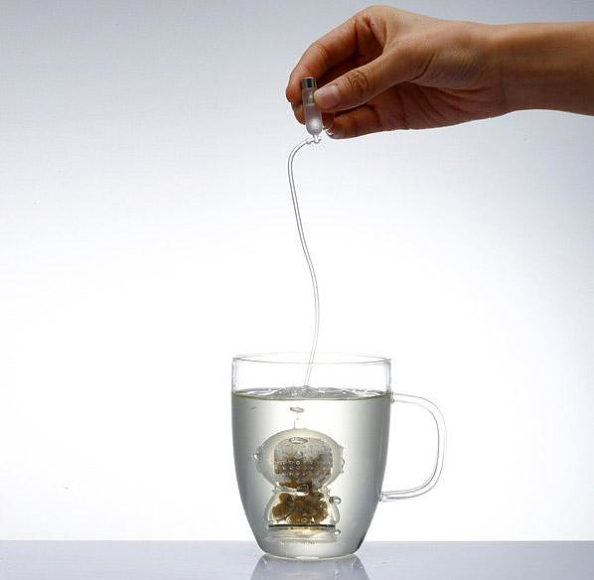Tea Diver ένας δύτης στο τσάι σας.