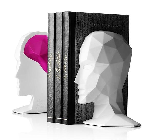 Βιβλιοστάτες Knowledge in the Brain του Karim Rashid.