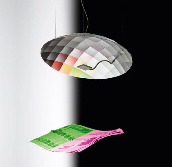 Φωτιστικό οροφής Lunatic από τον Ingo Maurer.