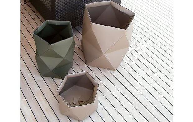 Pinetti Euclide Leather Basket and Magazine Holder.