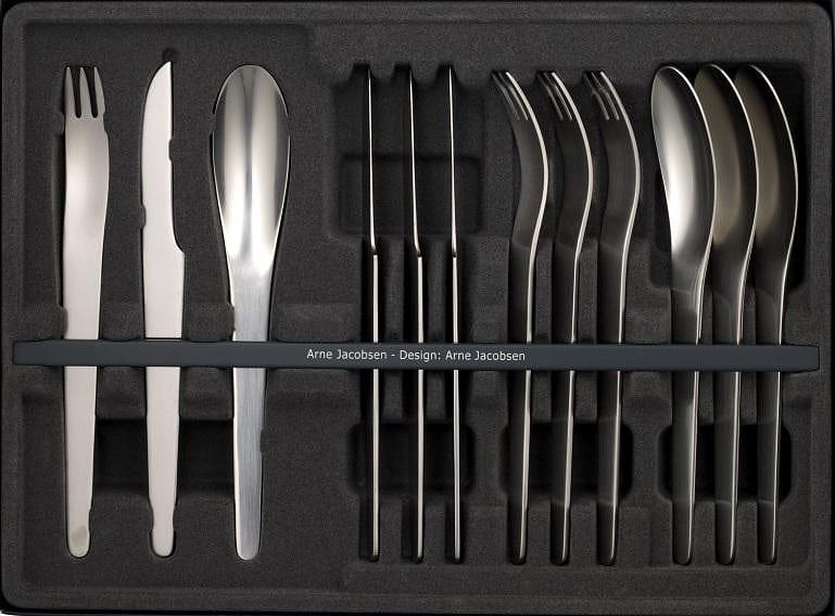 Μαχαιροπήρουνα Arne Jacobsen του Georg Jensen.