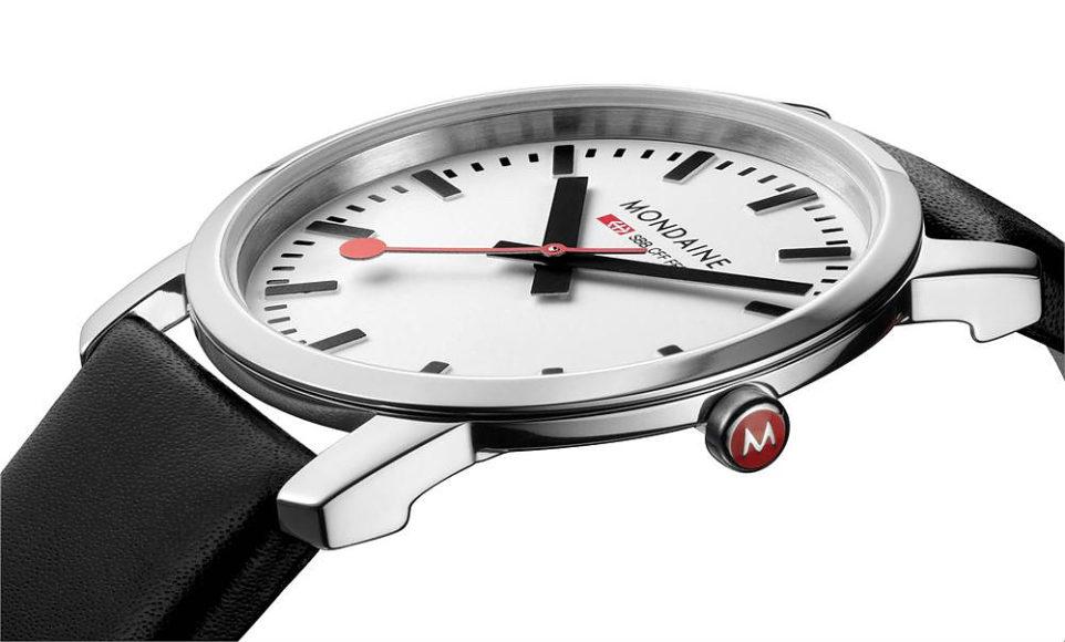 Simply Elegant της Mondaine, ένα ρολόι Ελβετικού σιδηροδρόμου στον καρπό σας.
