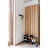 Κρεμάστρα Τοίχου FLIP με 5 Γάντζους (Καφέ Καρυδιάς) - Umbra