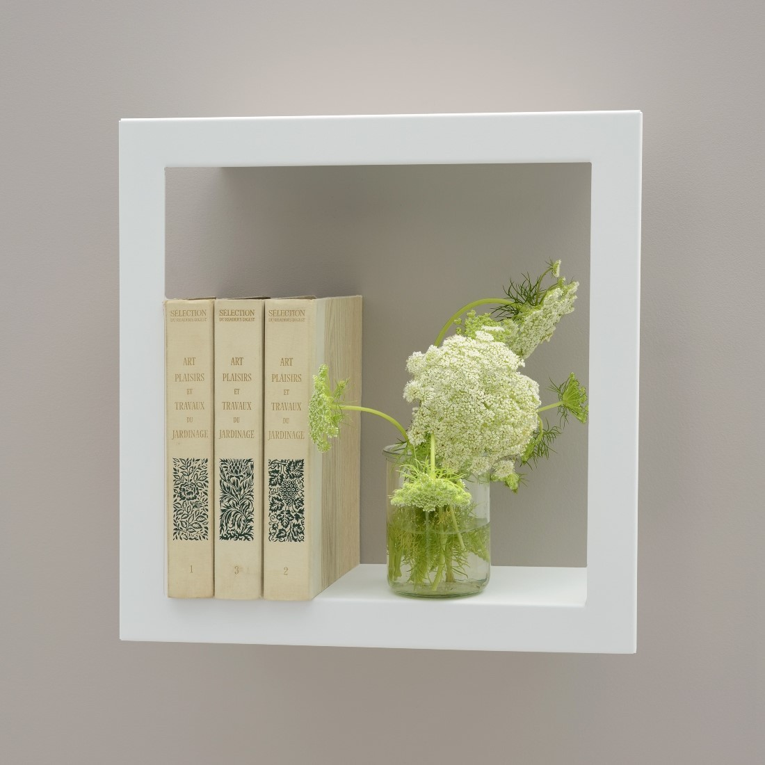 framed wall shelf bigstick presse citron design is this. Black Bedroom Furniture Sets. Home Design Ideas