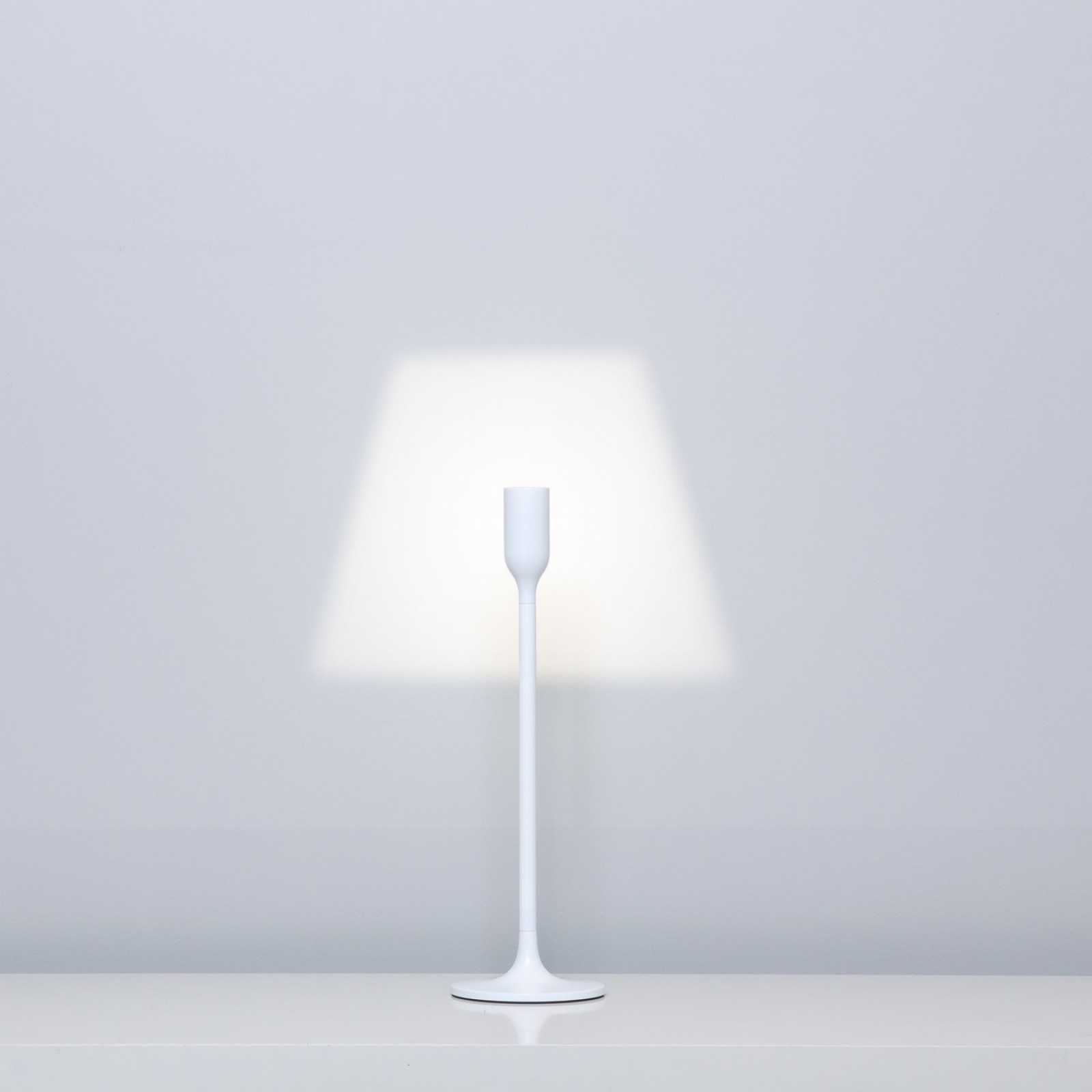 YOY Light Table Lamp - Innermost