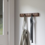 FLIP 5 Hook Coat Rack (Light Walnut/ Warm Gold) - Umbra