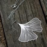 Ginkgo Pendant M (Silver) - Moorigin