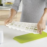 QuickSnap™ Plus Easy-Release Ice Cube Tray with Lid (White / Green) - Joseph Joseph
